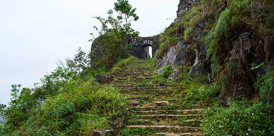 dong-van-don-cao-viewpoint-fort-vietnam