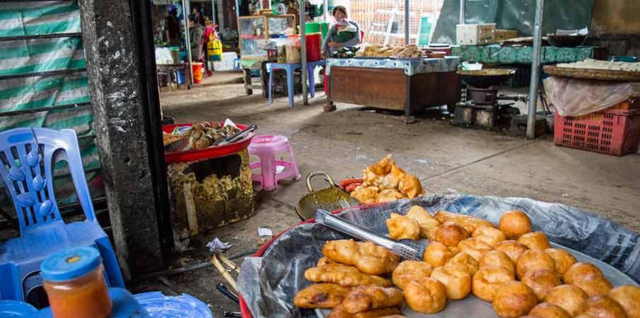 dong-van-market-food-vietnam