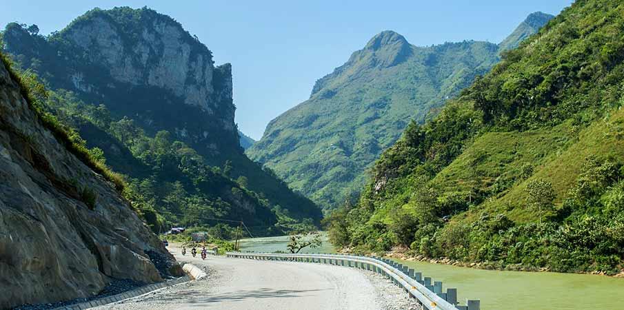 gam-river-bao-lam-cao-bang-vietnam