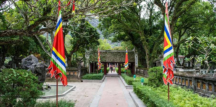 hoa-lu-temple-garden-vietnam