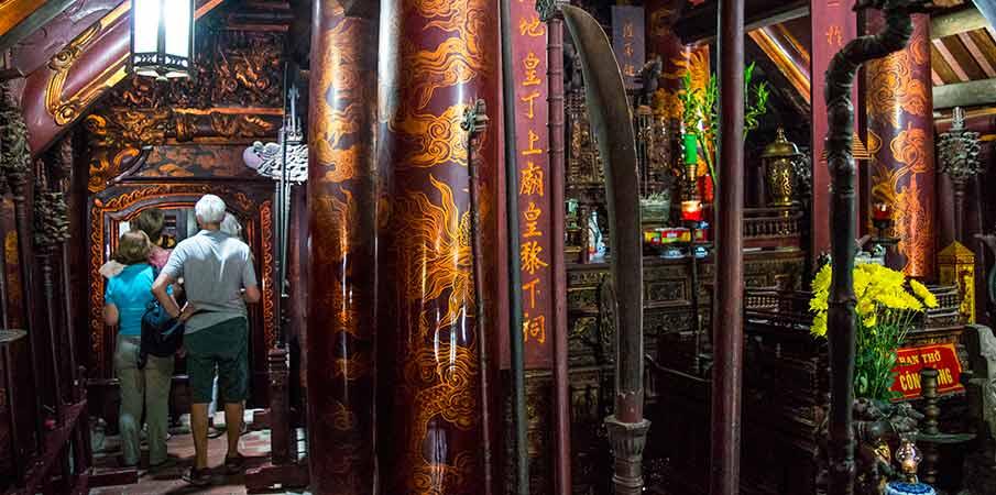 le-dai-hanh-temple-hoa-lu-vietnam1