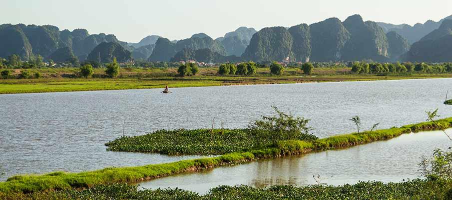 ninh-binh-to-van-long-vietnam