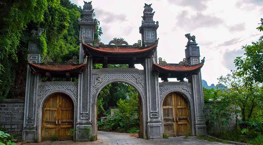 south-gate-hoa-lu-ninh-binh
