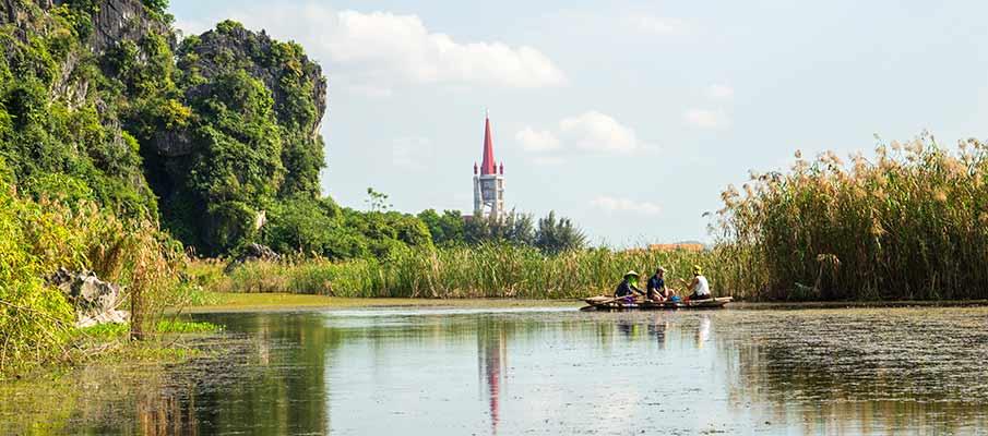 van-long-nature-reserve-church-ninh-binh
